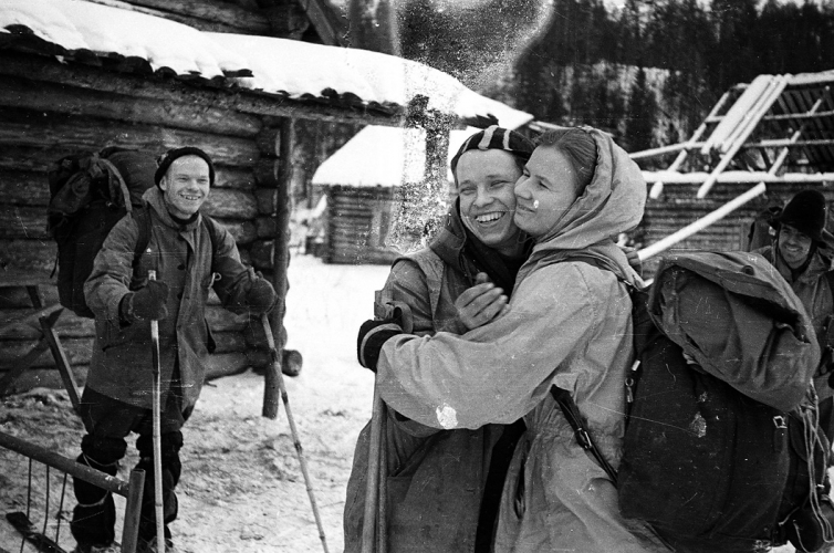 "Un ultim ""ramas bun"" intre Yuri Yudin(singurul supravietuitor) si Lyudmila Dubinina"